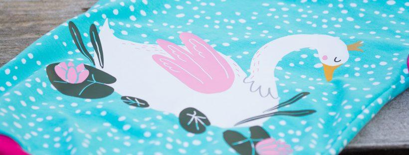 Schwan mit Krone - ein beplottertes Sommershirt - Plotterdatei Schwan
